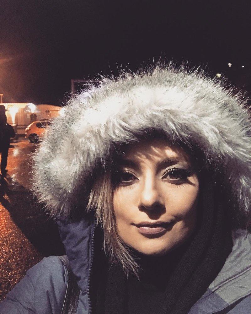 سلفی یکتا ناصر در سرمای جاده چالوس