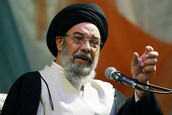 امام جمعه اصفهان: در کشور ما، کار خیلی بیشتر از بیکار هست| یک عده دنبال کار نمیروند و میخواهد بهسادگی پول به دست بیاورند| اگر انسان بد ذات نباشد، دنبال سرقت و قاچاق نخواهد رفت!