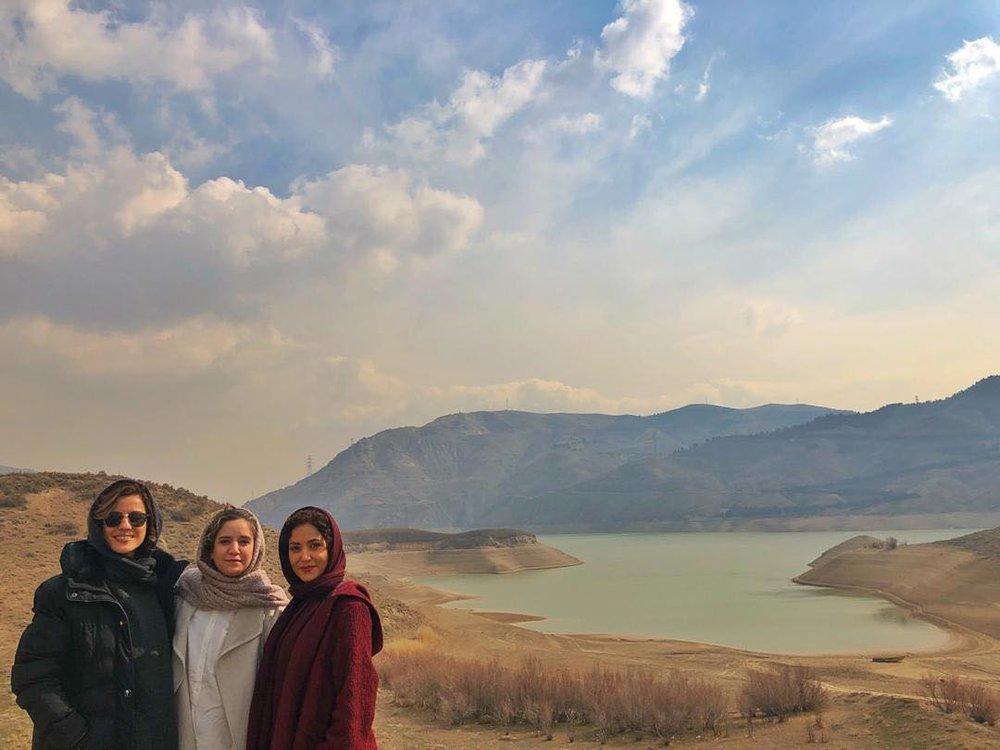عکس/ پریناز ایزدیار در کنارِ سارا بهرامی و ستاره پسیانی