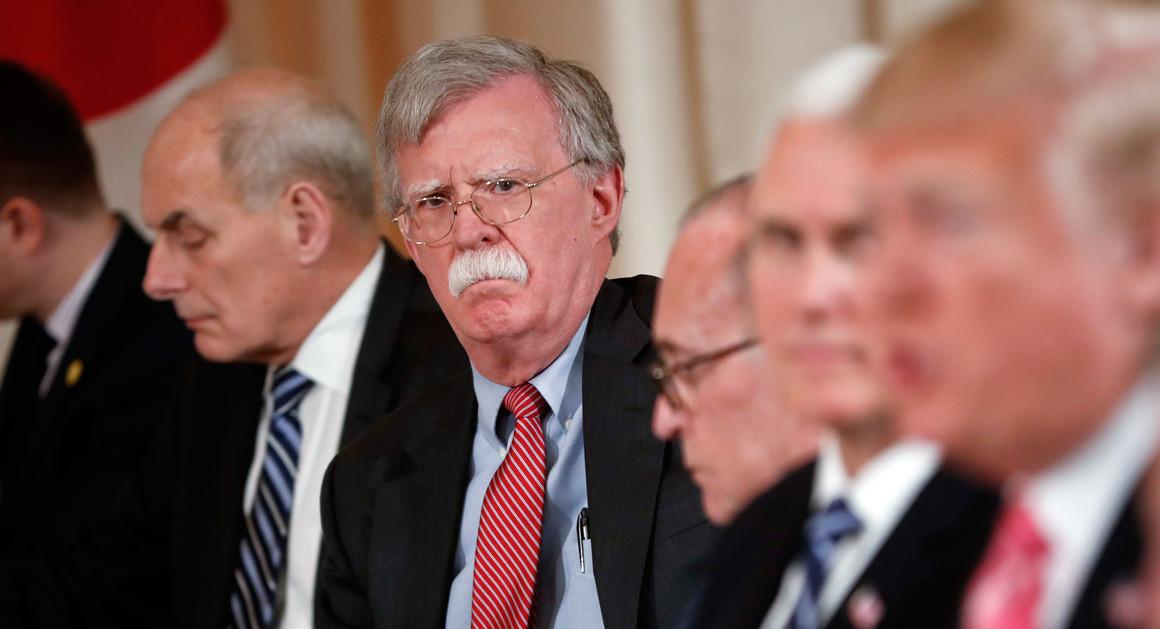 نگرانی و هشدار دموکراتها درباره برنامه ترامپ علیه ایران| آیا ترامپ واقعا در حال حرکت به سوی جنگ با ایران است؟