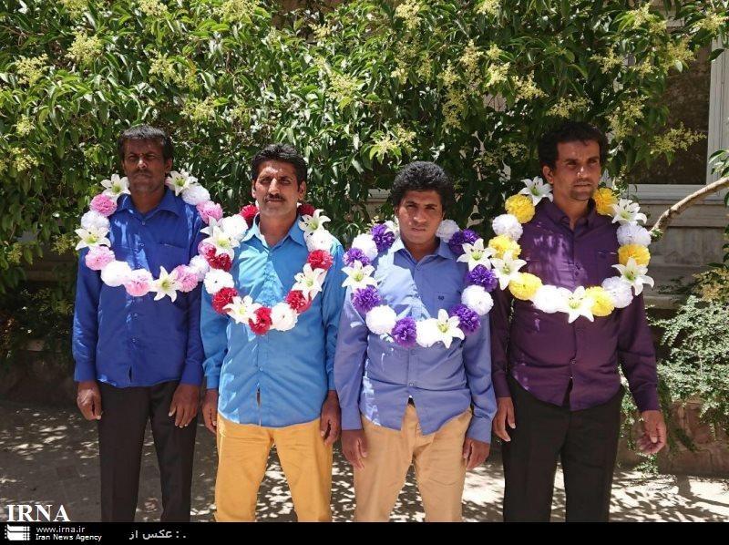۴ صیاد سیستان و بلوچستانی در بند دزدان سومالی آزاد شدند/ عکس