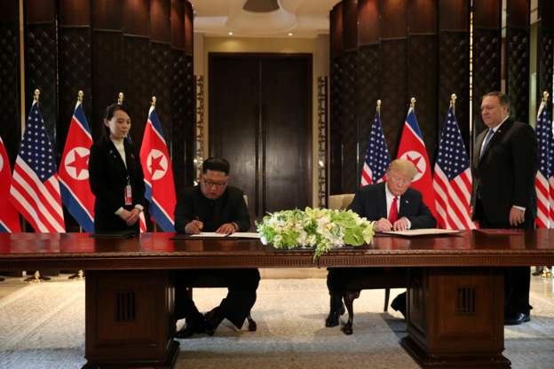 سند تاریخی بین آمریکا و کره شمالی امضا شد/ آغاز خلع سلاح هستهای کره شمالی؟+عکس و فیلم