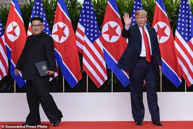 سند تاریخی آمریکا و کرهشمالی امضا شد/رهبر کرهشمالی خلع سلاح هستهای را پذیرفت+عکس و فیلم