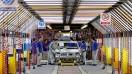 بازی خودروسازان با نرخ سود علیه مردم/ چرا کاهش سه درصدی نرخهای سود مشتریان؟