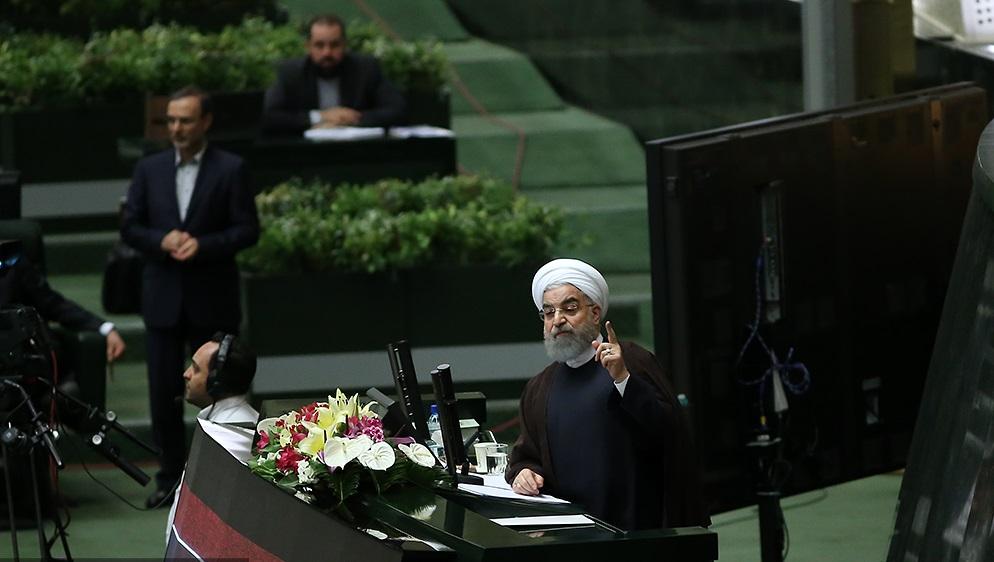 آقای رئیسجمهور! مردم را از پشتپرده آگاه کنید/از تلاشهائی که در ایران برای خارجشدن آمریکا از برجام صورت گرفت بگویید
