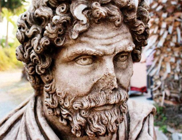 مجسمه مرمرین ۱۷۰۰ ساله از زیر خاک سر برآورد/عکس