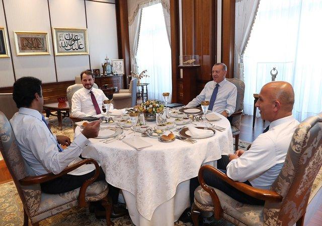 وزیر دارایی ترکیه: جهان بار دیگر شاهد دوستی بین ترکیه و قطر بود+عکس