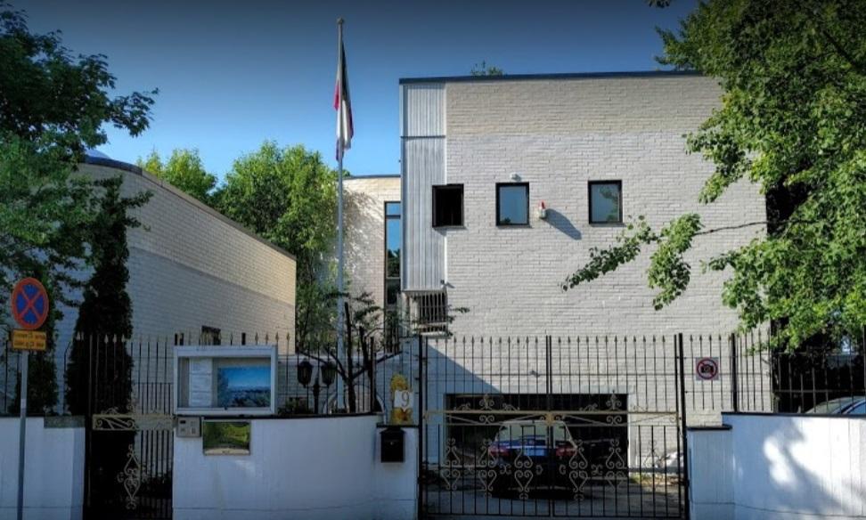 حمله به سفارت ایران در فنلاند| ۴ نفر پرچم ایران را آتش زدند| هر ۴ نفر بازداشت شدند