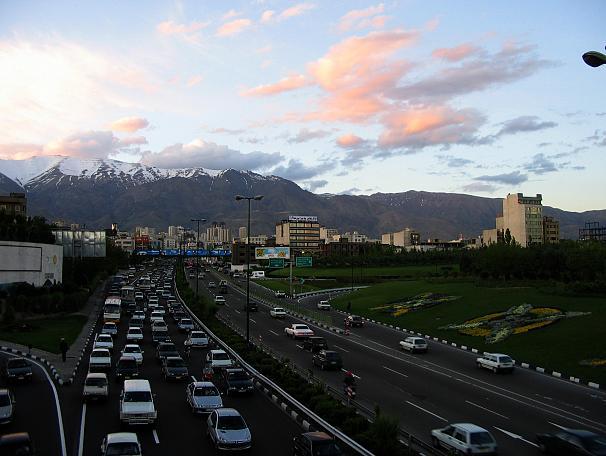 سفر به ایران برای اروپاییها چقدر آب میخورد