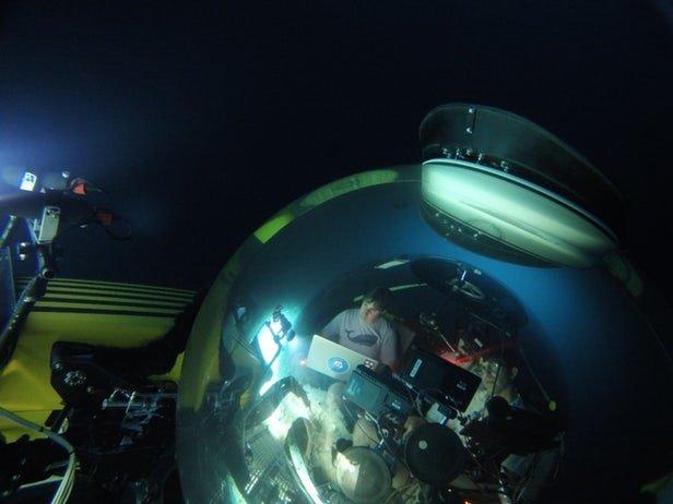 جستجو زیر دریا با کمک بازوی رباتیک+عکس