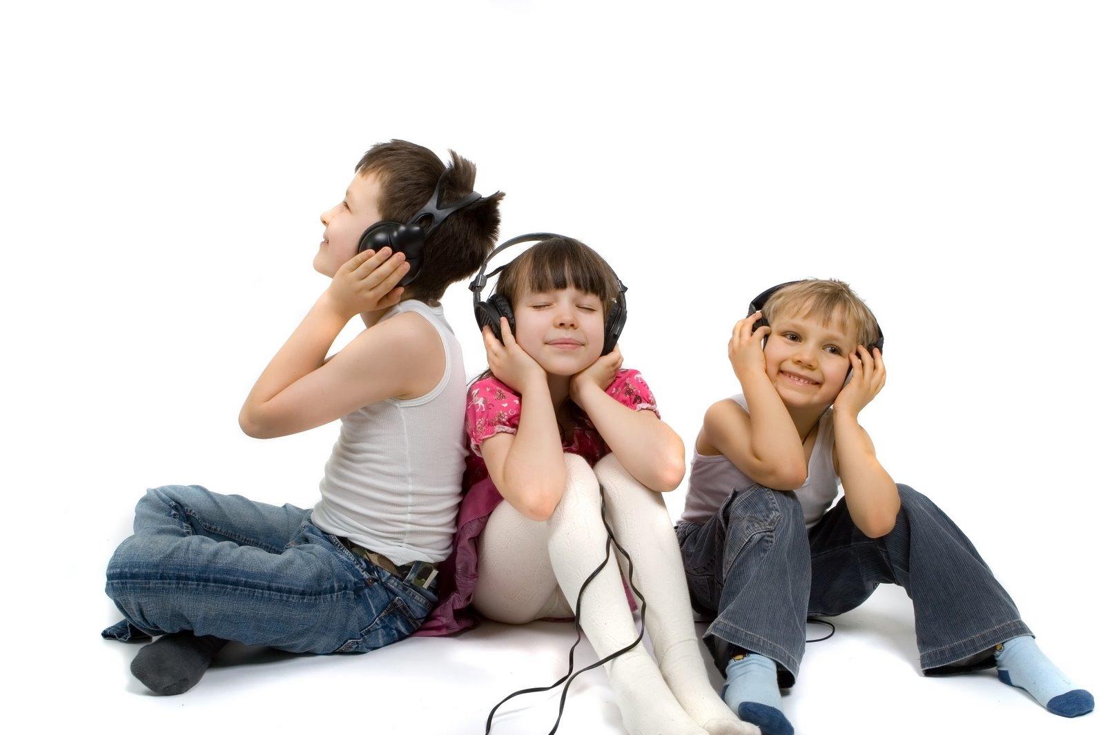 گوش موسیقایی فرزندانمان را تربیت کنیم میخواهم فرزندم موسیقی سالم گوش کند؛ چهکار کنم؟