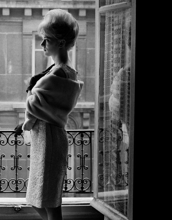 تصاویر/ زنان پرزرق و برق پاریسی در ۱۹۶۰