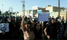 تجمع اعتراضی کارگارن هفتتپه و فولاد اهواز| استاندار خوزستان: اعتراضات مسالمتآمیز است| برای حل مشکل کارگران در تلاشیم| بخشی از مطالبات کارگران در هفته جاری پرداخت میشود