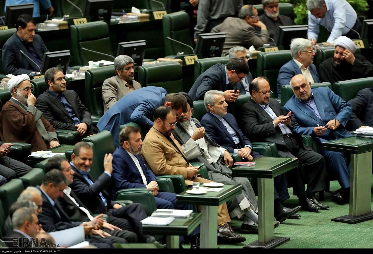 بررسی ۴ وزیر پیشنهادی دولت در مجلس| دفاع رئیسجمهور، اظهارات موافقان و مخالفان وزرا