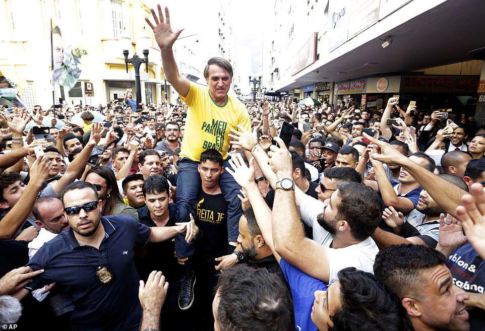 پوپولیستهای تندرو برمیگردند| پیروزی نسخه برزیلی ترامپ در چهارمین دموکراسی جهان| بولسونارو کیست؟+تصاویر