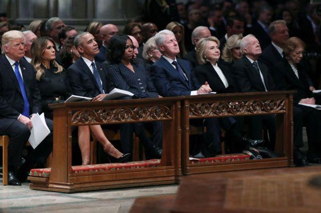 کنار هم نشستن ترامپ، اوباما، کلینتون و کارتر خبرساز شد+عکس