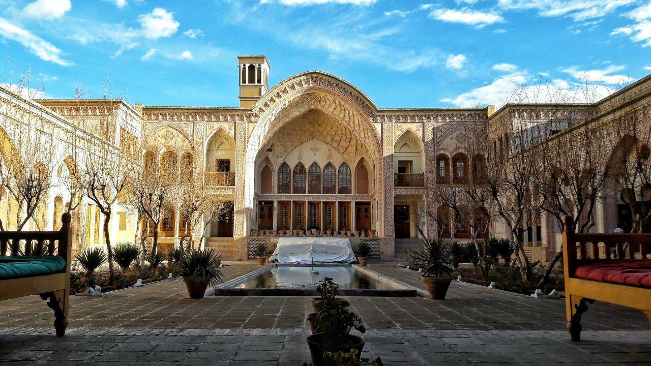 با گرانقیمتترین هتلهای شیراز و کاشان آشنا شوید