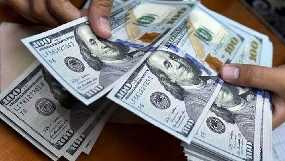 دلار جلو رفت/ یورو ۱۴.۷۰۰ تومان