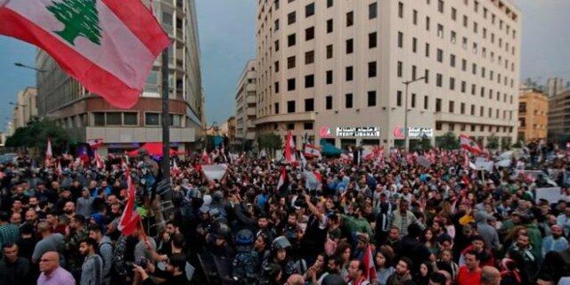 دومین شب اعتراضات در لبنان به خشونت کشیده شد/ ۴۵ نفر زخمی شدند