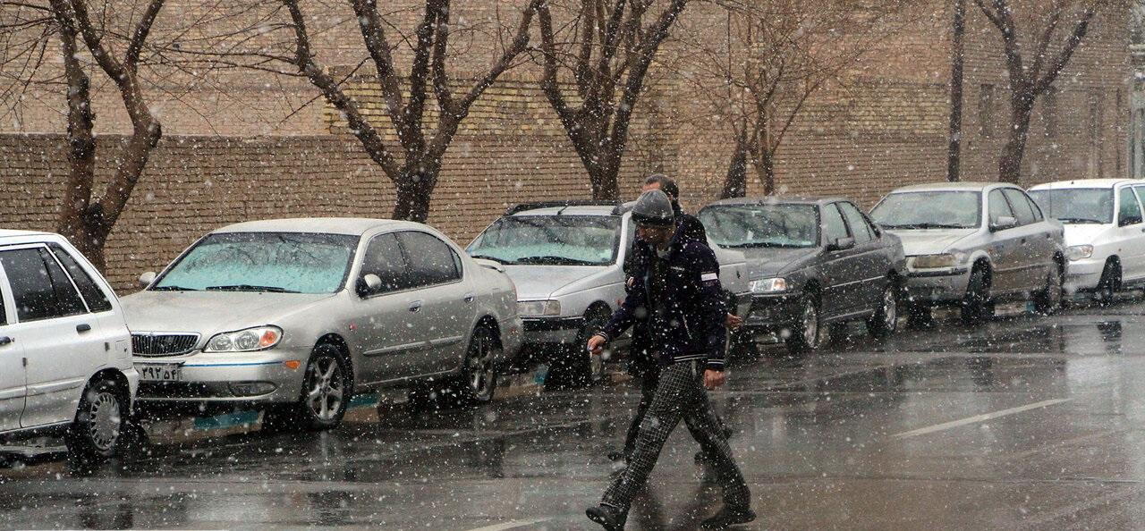 جمعه سامانه بارشی جدیدی وارد کشور میشود/ وزش باد شدید در تهران