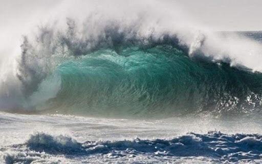 دریای خزر امروز (today) مواج است