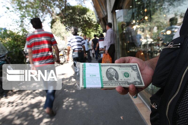 قیمت دلار در آستانه نشست FATF