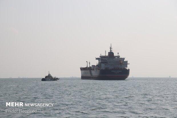 آتش سوزی یک نفتکش در نزدیکی سواحل امارات
