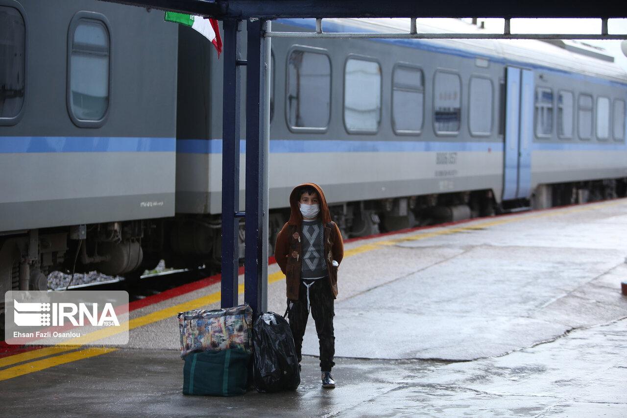 کرونا فعالیت 2 قطار بین استانی در راه آهن جنوب را متوقف کرد