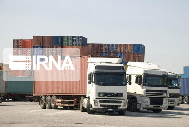 کرونا هزار دستگاه کامیون را پشت مرزهای ترکمنستان با ایران متوقف کرد