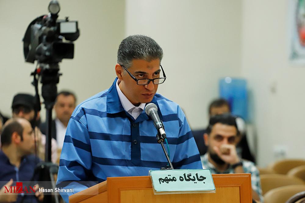 قاضی صلواتی خطاب به متهم: اگر اقدامات مجرمانه شما نبود بابک زنجانی هیچ وقت نمیتوانست به عملیات مجرمانه برسد| ۶۰ میلیون دلار بابت ذخیره نفتها به جیب زدهاید