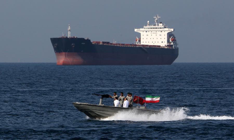 تصمیم ناگهانی ترامپ برای مذاکره بدون پیششرط با ایران؛ چرا اکنون آمریکا میخواهد مذاکره کند؟
