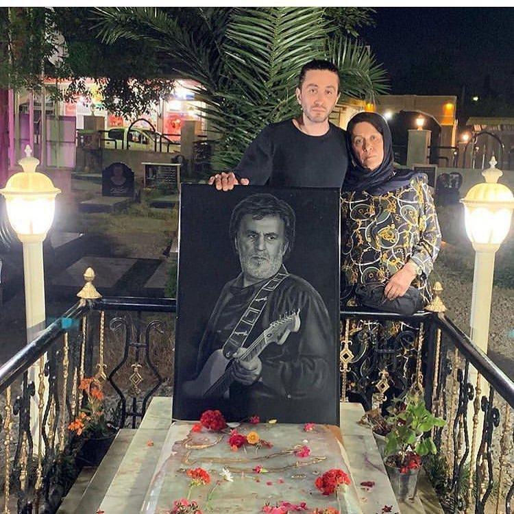 عکس| پسر و همسر حبیب محبیان در سومین سالگرد درگذشت او