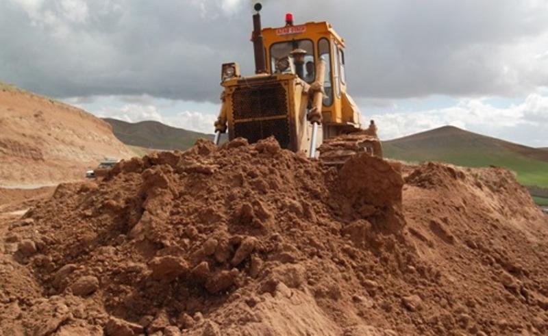 جلوگیری از قاچاق خاک قانونی شد| هر صنعتی که خاک را آلوده کند بعد از اولین تذکر، تعطیل خواهد شد