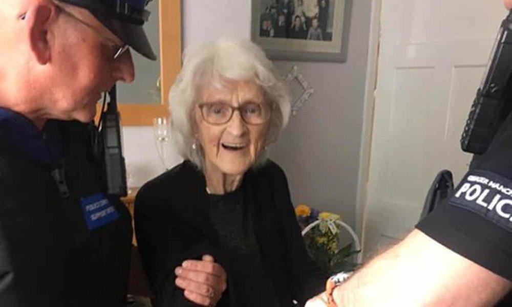 مادربزرگ 93 ساله بازداشت شد/ عکس