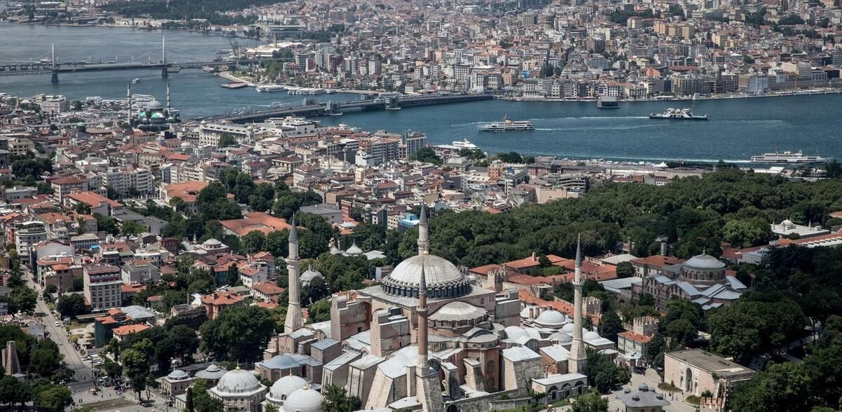 خروج ۵۵۰ میلیون دلار ارز از ایران برای خرید ملک در ترکیه