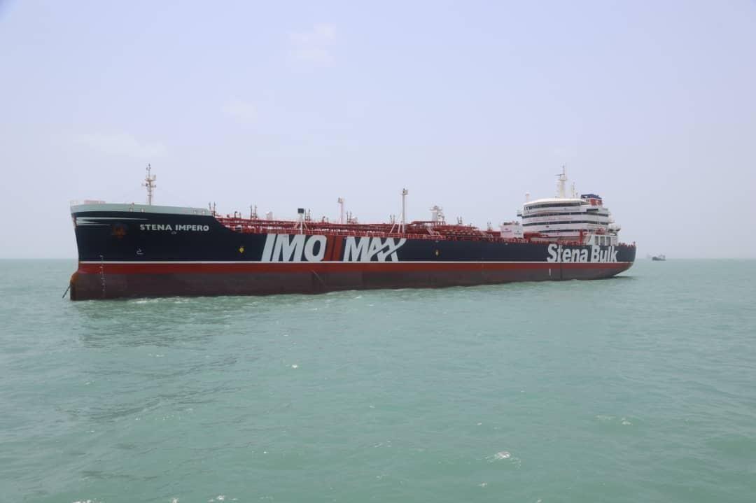 مبادله اسناد با انگلیس برای آزادسازی کشتی نفتی ایران در جبل الطارق| تهران و لندن معامله کردند؟