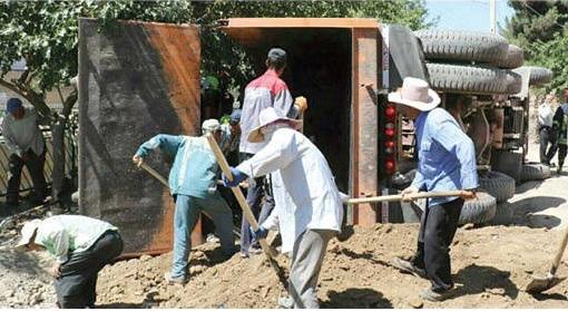 (+16) مرگ دلخراش کودک مشهدی زیر خاکهای کامیون+ عکس