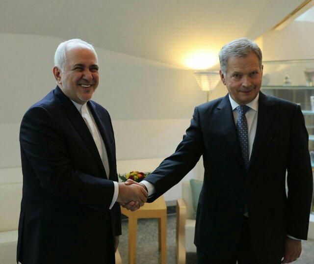 دیدار ظریف با رئیسجمهور فنلاند/عکس