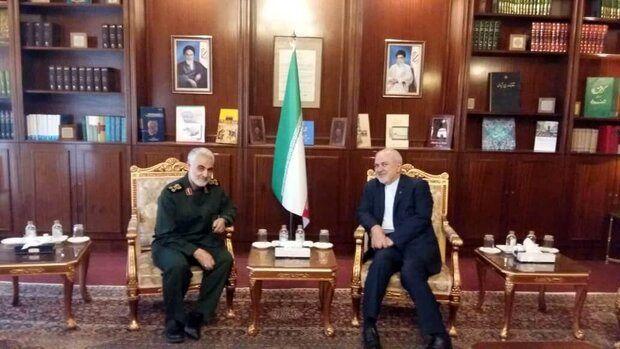 ظریف: به عربستان گفتم اگر من مالهکش اعظم هستم با سردارسلیمانی مذاکره کنید| احتمال پیروزی مجدد ترامپ را بالا میدانم