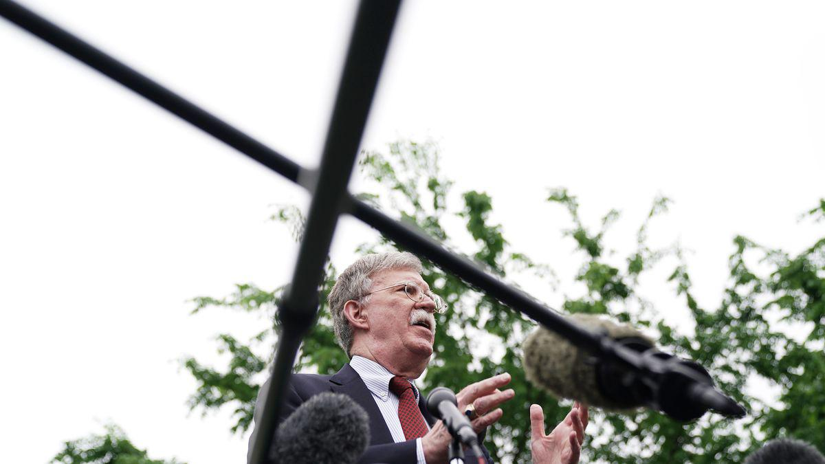 بولتون و ترامپ، چرا و چگونه به این نقطه رسیدند؟ فرصتی برای آغاز مذاکره ایران و امریکا؟