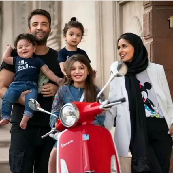 عکس| موتورسواری بنیامین، همسر و سه فرزندش