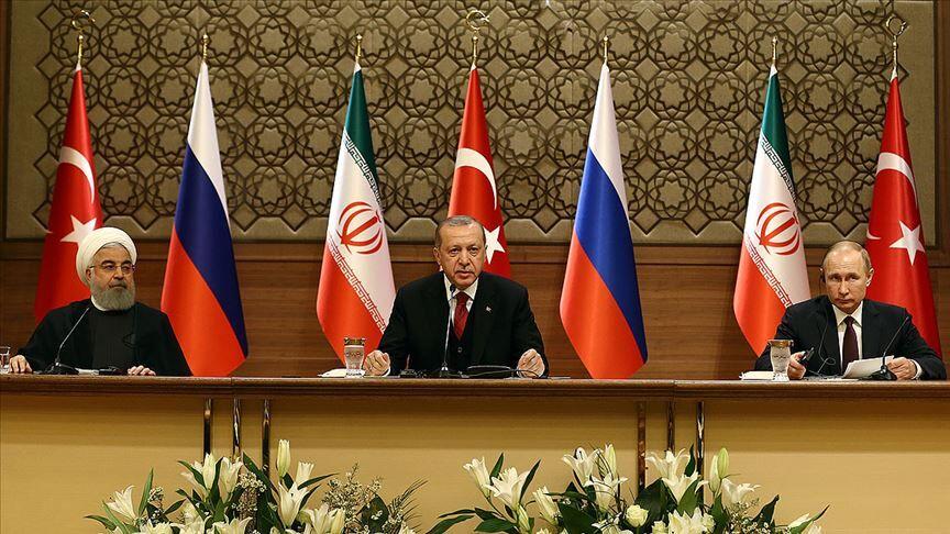 روحانی: بحران سوریه باید با راهکارهای صلح آمیز و از سوی مردم منطقه حل و فصل شود