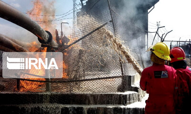 آتشسوزی ۲ انبار چوب در تهران