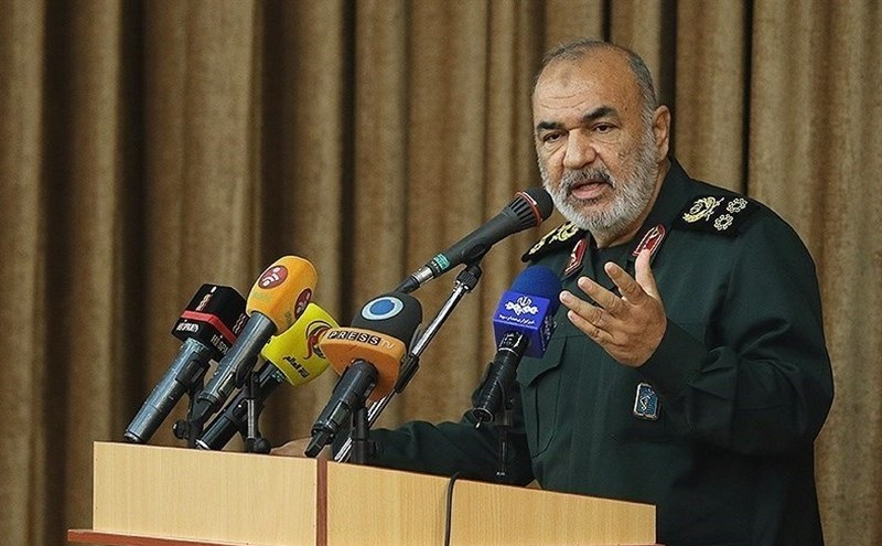 فرمانده سپا: هرگز اجازه نمی دهیم جنگ به ایران بکشد/ هرکس میخواهد کشورش میدان نزاع شود بسم الله