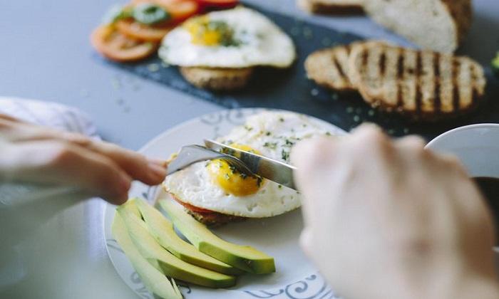 آیا کلسترول غذایی موجب افزایش کلسترول خون میشود؟
