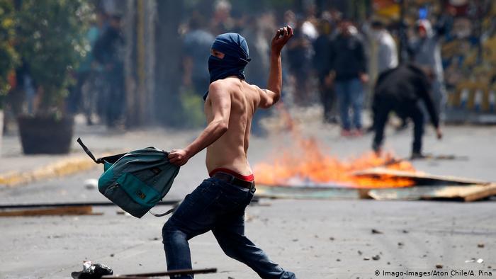 اعتراضهای خشونتبار در پایتخت شیلی/ 3 نفر کشته شدند+عکس