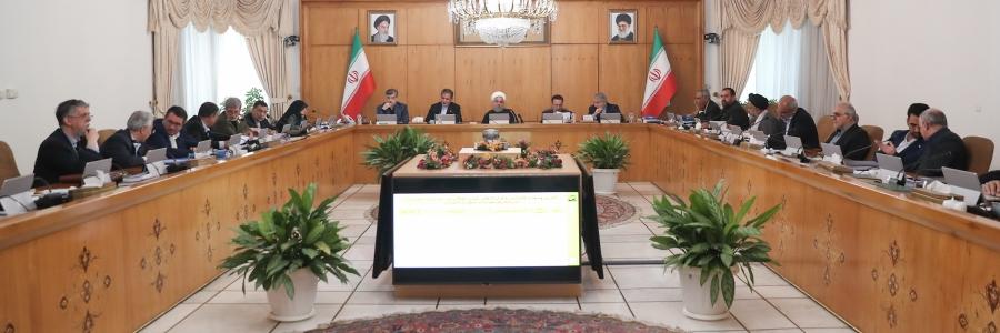 روحانی: درشتگویی و سخنان غیرمنطقی و شعاری هیچ شباهتی به انقلاب اسلامی ندارد