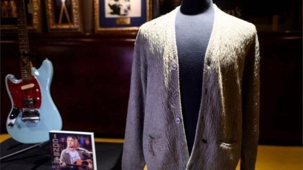 ۳۳۴ هزار دلار برای خرید یک ژاکت کثیف!