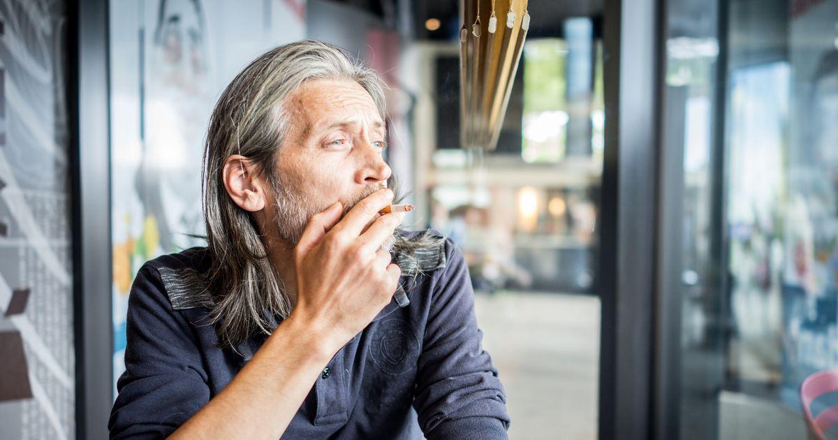 سیگار پیرتان میکند