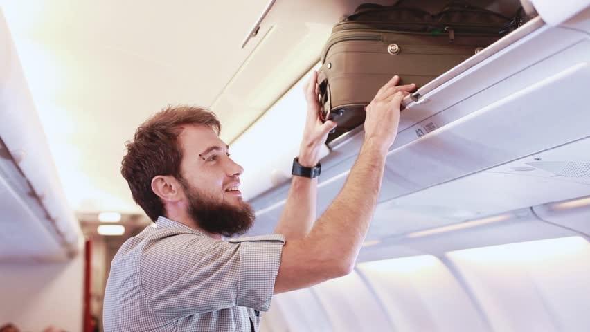 کیف کابین سایز چیست؟ چه وسایلی را نمیتوان با آن داخل هواپیما برد؟